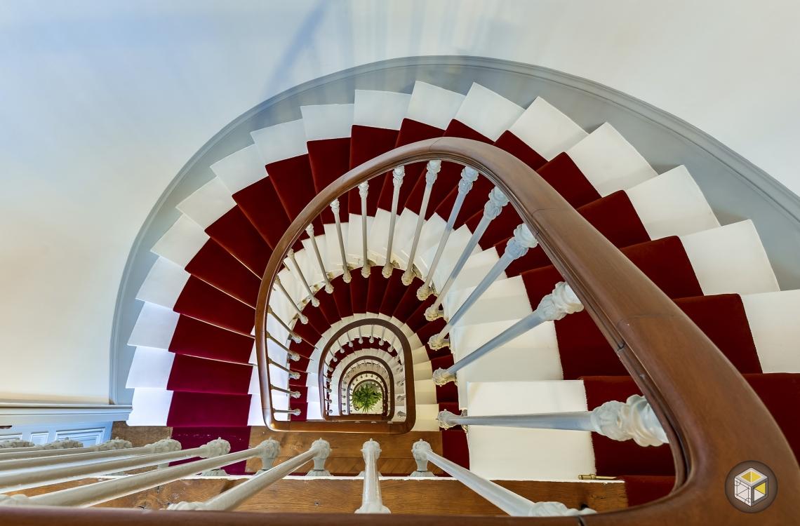 Escalier vue plongeante