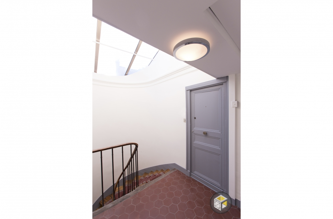 eclairage cage d escalier great escalier modern treppenhaus with eclairage cage d escalier. Black Bedroom Furniture Sets. Home Design Ideas