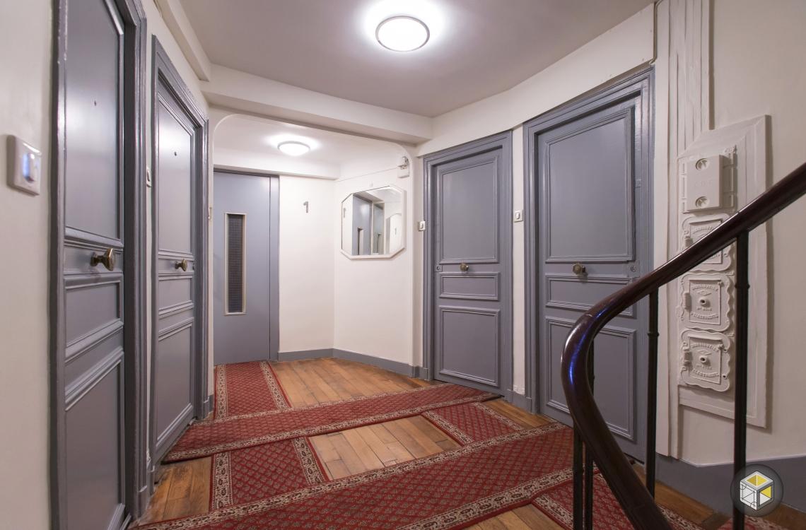 R novation cage d 39 escalier faubourg st honor r novateurs for Norme porte paliere appartement