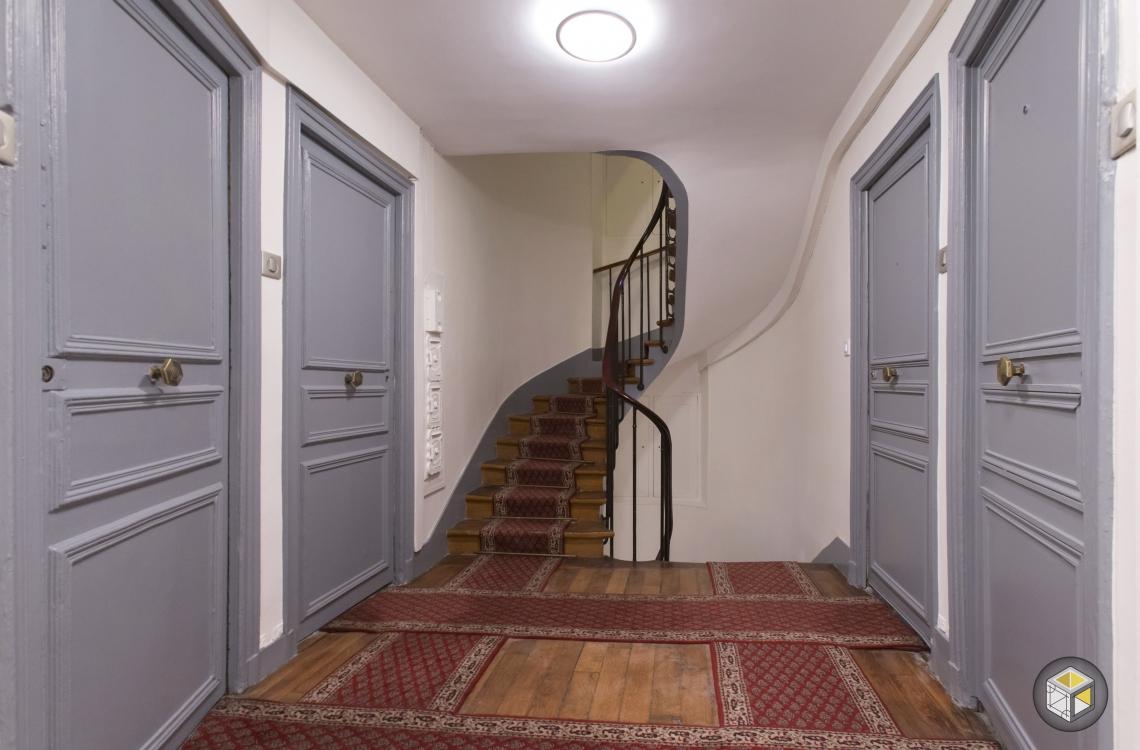 r novation cage d 39 escalier faubourg st honor r novateurs. Black Bedroom Furniture Sets. Home Design Ideas
