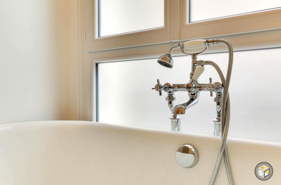 Robinet robinetterie vintage baignoire