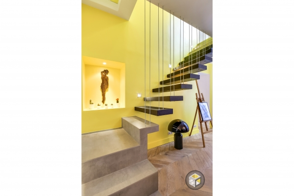 escalier suspendu salon